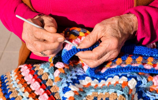 8 Activities Try With a Family Member Who Has Dementia & Alzheimer's